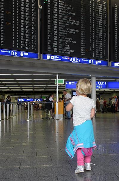 Peuter op de Luchthaven