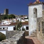 Óbidos vanaf de machtige stadsmuren