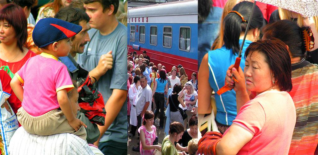 Trans Mongolië Express drukte op het perron