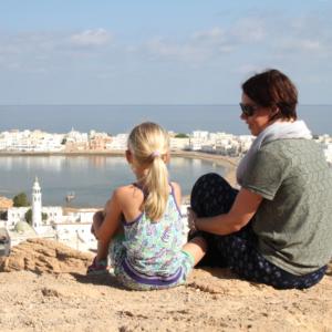 Yvonne van der Laan met gezin op reis