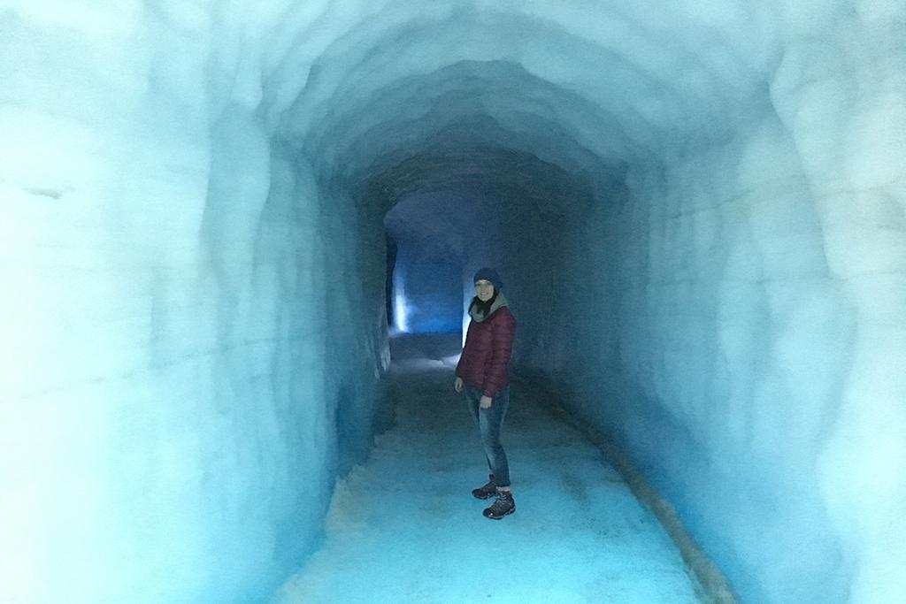 bizarre bezienswaardigheden into the glacier