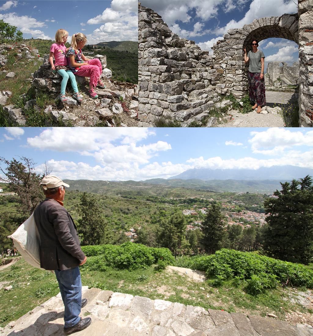 de klim naar het kasteel van Berat