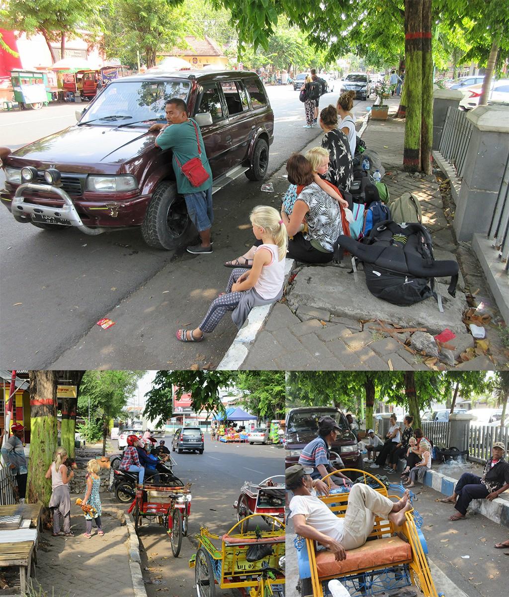op weg naar Bromo - wachten op gedeelde taxi